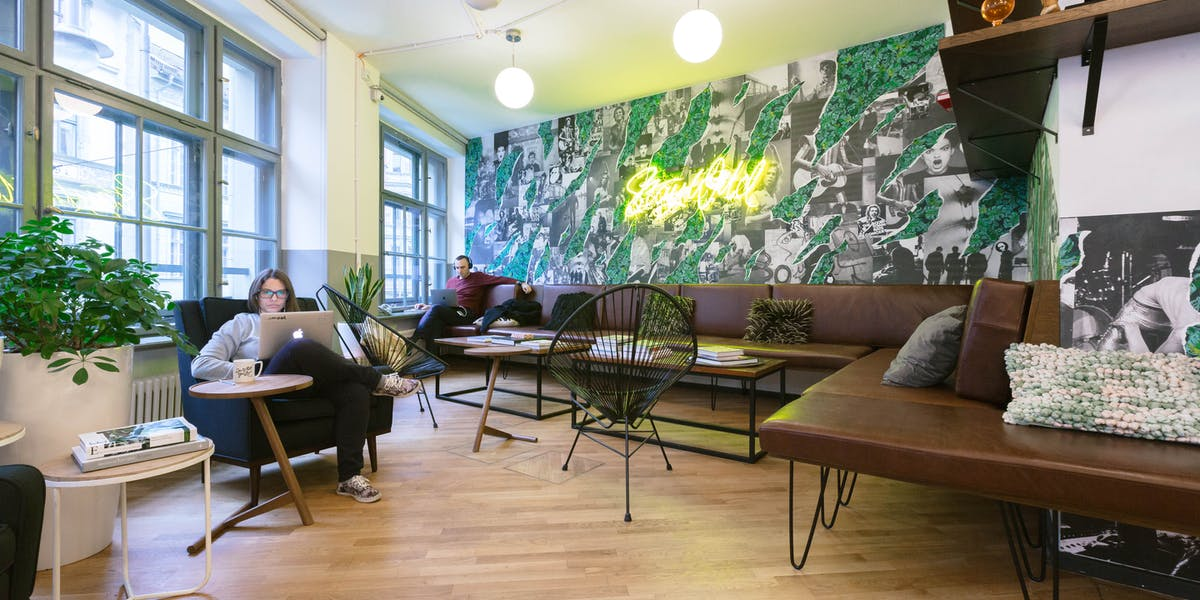 coworking b ror ume berlin mitte hackescher markt wework. Black Bedroom Furniture Sets. Home Design Ideas